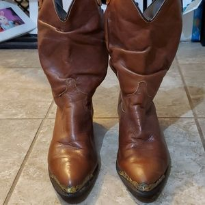 👢Woman size 24(7) Cowgirl boots👢